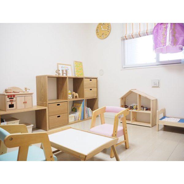 スタッキングシェルフを置いた6畳の子供部屋