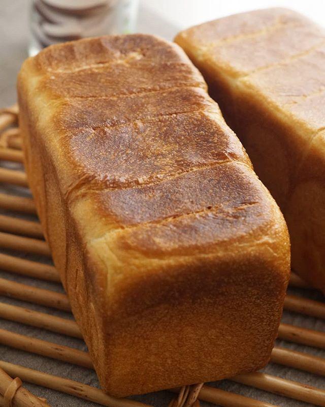 ココナッツオイルを塗った食パン