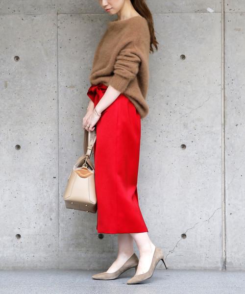 サテンスカートの冬ファッション
