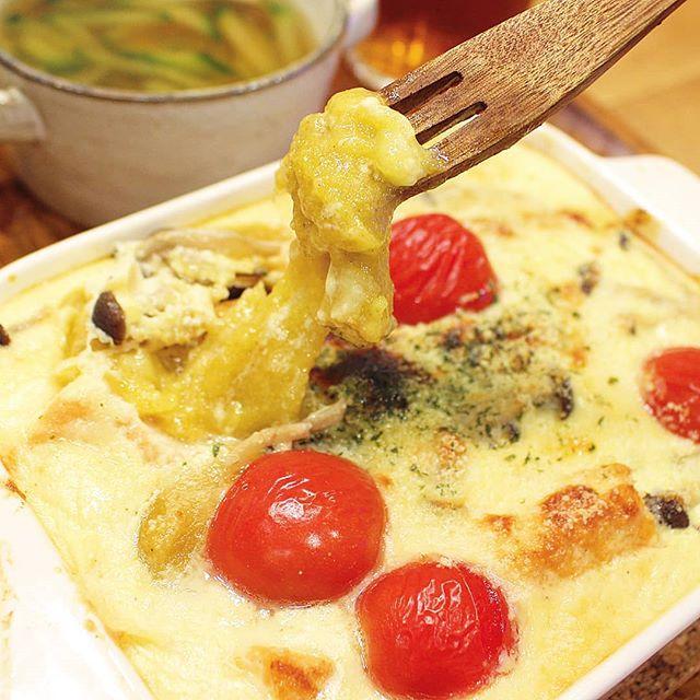 とぼ餅とサーモンのヨーグルトグラタン