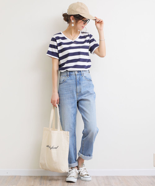 [and Me(アンドミー)] 半袖Vネックポケット付Tシャツ