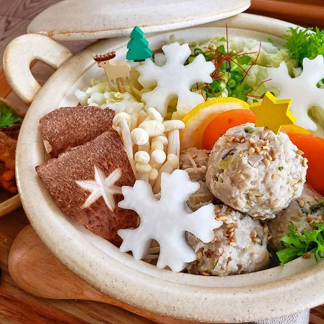 季節の野菜がおすすめ!肉だんご鍋