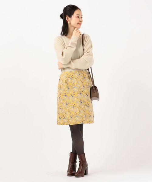 シンプルリブニット×おしゃれスカート