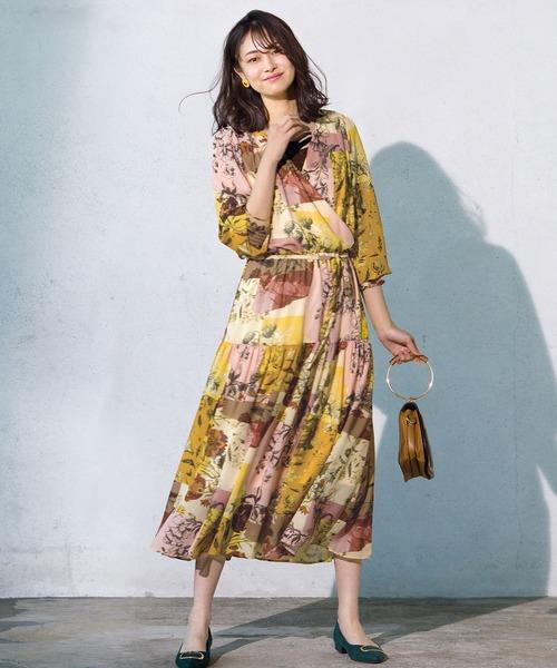 レトロ花柄ワンピースの春ファッション