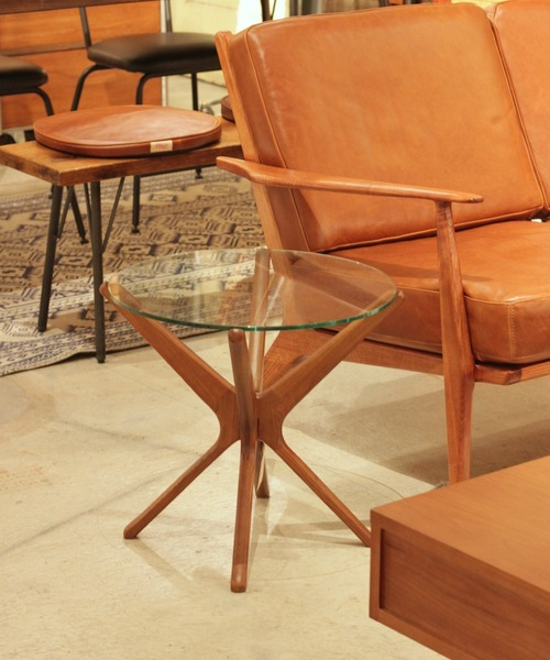 TRESTLES SIDE TABLE CLR