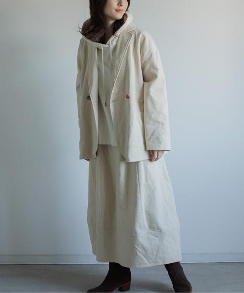 コーデュロイ白ジャケット×セットアップスカート