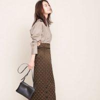 茶色スカートの冬コーデ【2021】季節感のある大人女性らしい着こなし♪