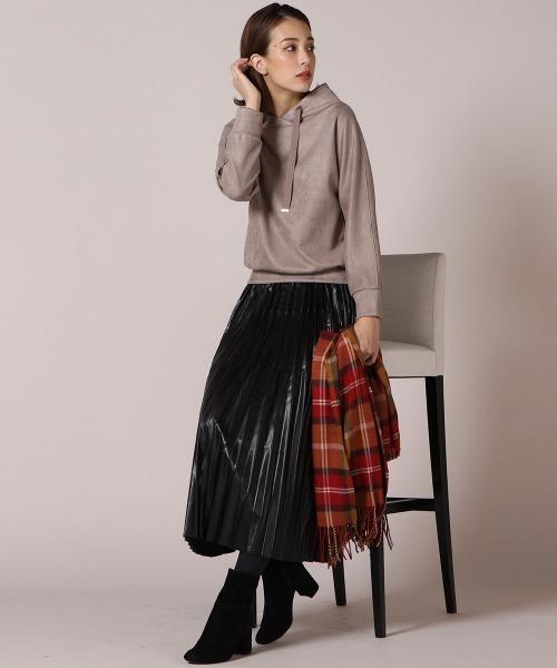 ソフトフェイクレザープリーツスカート