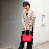 冬の赤バッグコーデ20選!冬のファッションに映えるおしゃれな着こなしをご紹介