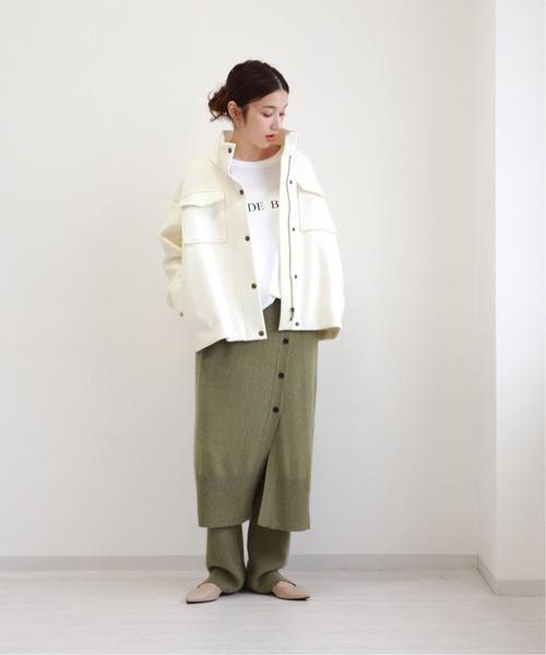 ミリタリー白ジャケット×タイトスカート
