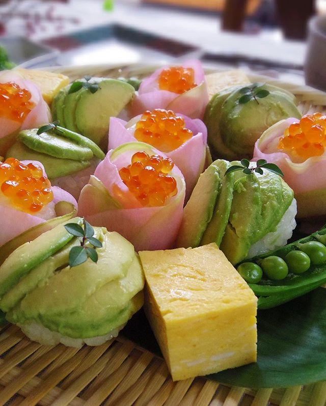 鞠の形をしたおしゃれなお寿司