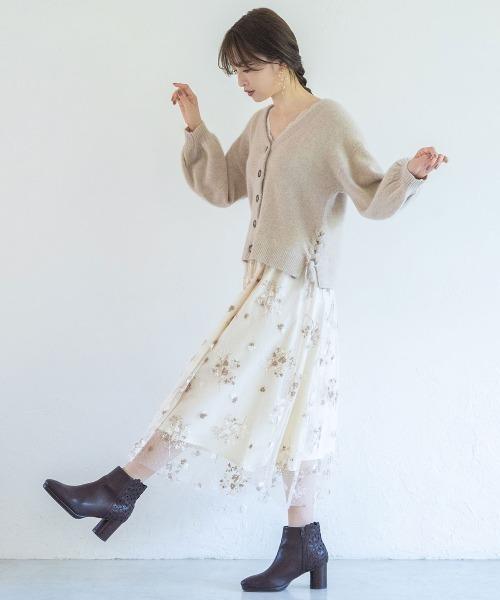ドットチュール刺繍フレアスカート