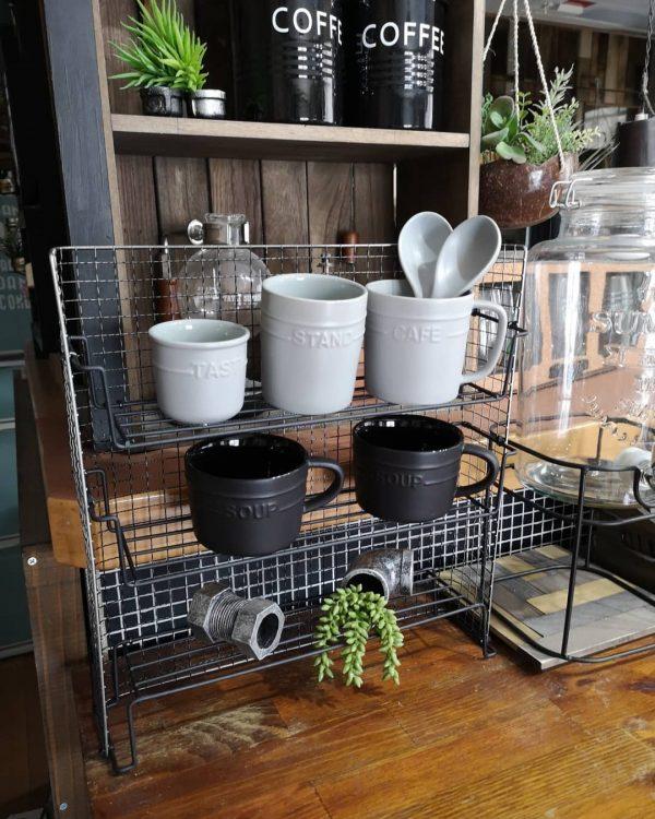 100均DIYでカフェ風収納スタンド