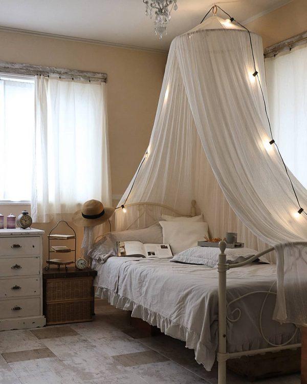 海外インテリアのようにフレンチシックな寝室