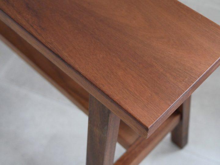 アカシア材のベンチ6