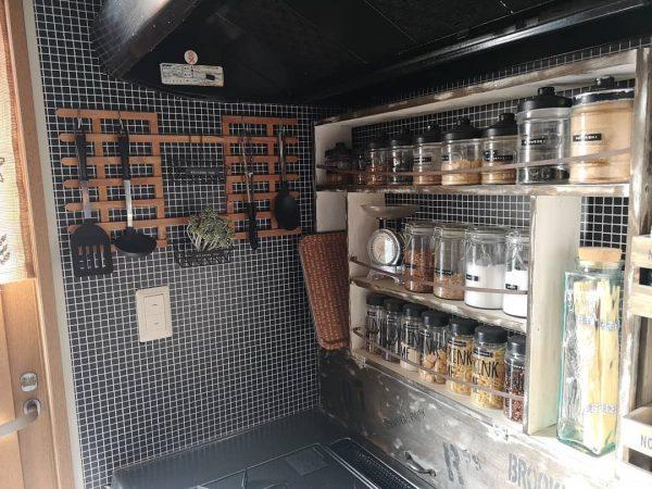 100均DIYで作るキッチンの見せる収納
