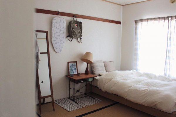 和室にベッドをレイアウトしたおしゃれな寝室