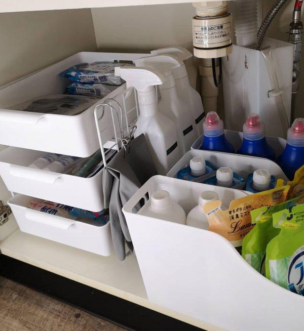 100均アイテムのみを使った洗面台下収納