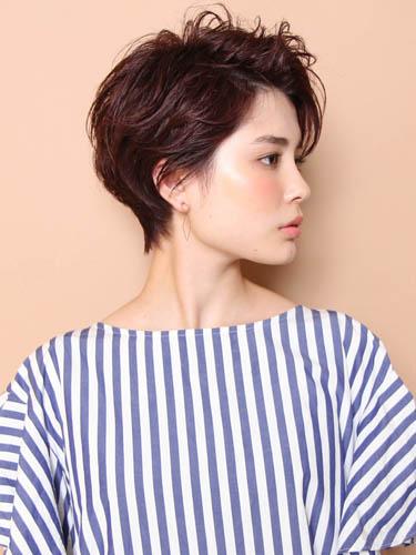 イエベ秋に似合う暗めの髪色 ショート3