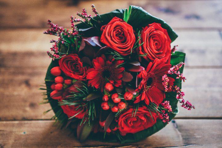 花言葉重視で選びたいなら「バラ」