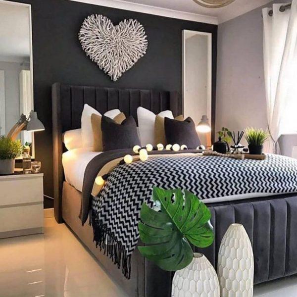 夫婦円満になるモンステラのある風水的寝室