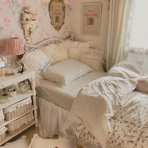 クラシカルなベッドを使ったオルチャン部屋