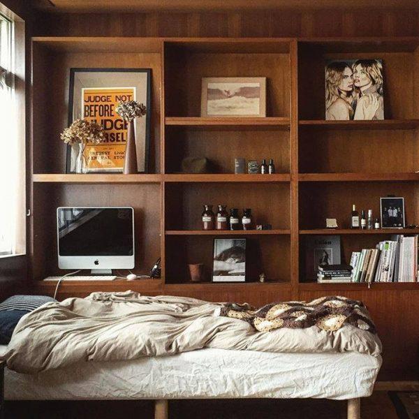 木の素材感を活かした寝室実例