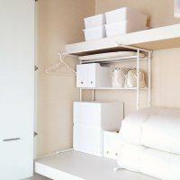 ニトリの押入れ収納アイデア実例!棚やケースを活用してスッキリ整理整頓♪