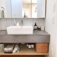 オープンな洗面所もアイデア次第ですっきり♪洗面所の収納アイデア