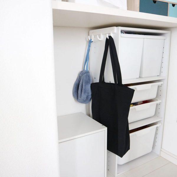 カラボフックを活用したバッグの収納アイデア