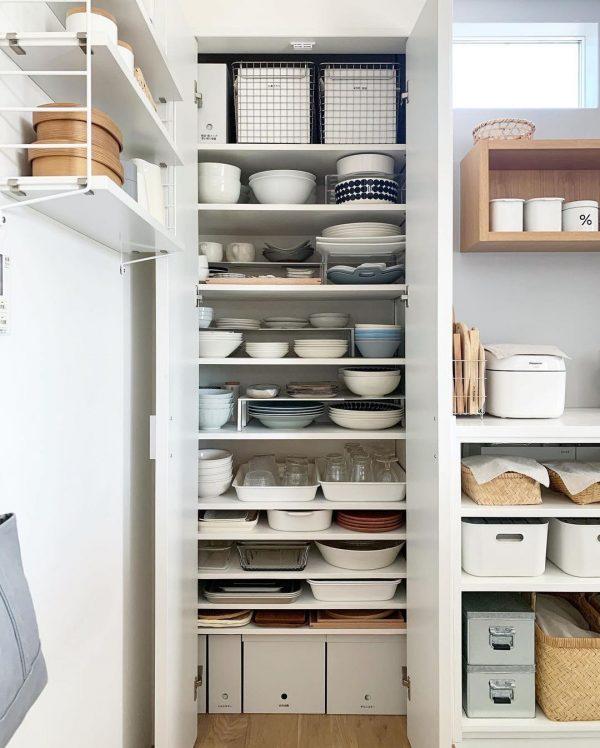 無印のワイヤーバスケットでキッチン収納