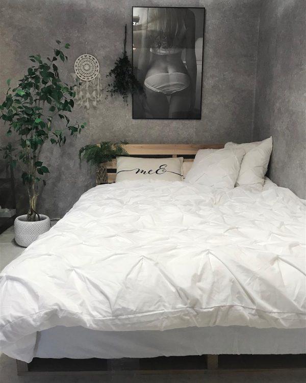 海外のような寝室に