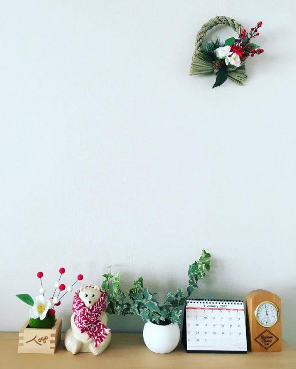 ダイソーのしめ縄&造花でお正月飾りをアレンジ