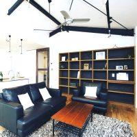 リビングに本棚を置いて「くつろげる空間」に。おしゃれなインテリア実例集♪