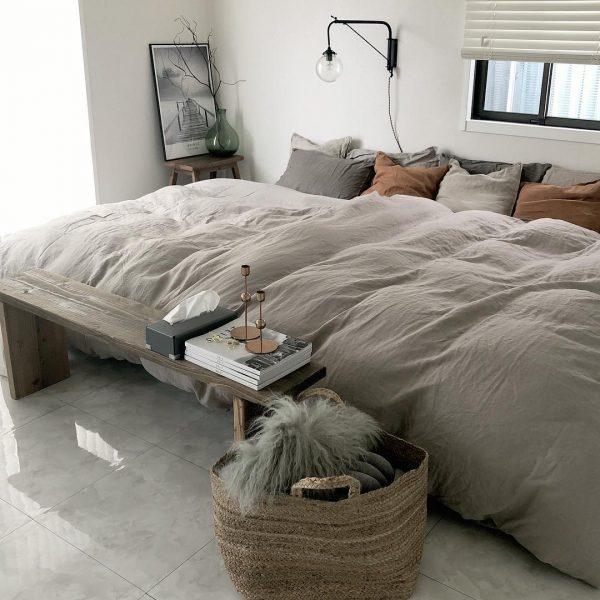 ダブル×セミダブルを配置した寝室