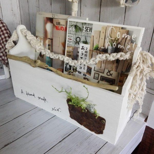 木版とカッティングボードで手作りした本棚