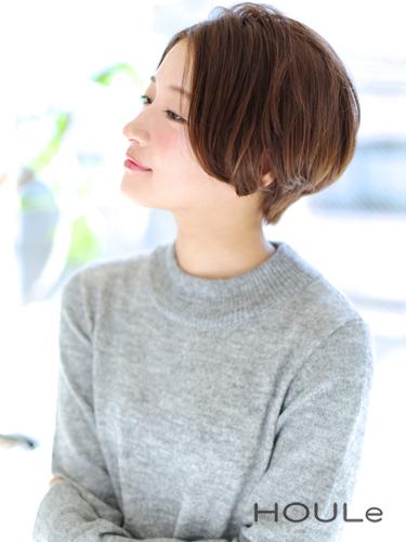 前髪なしのきれいめショートヘア