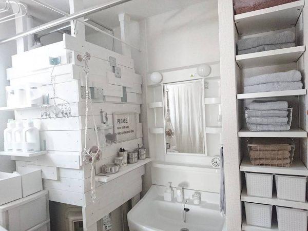 ディアウォールを駆使して洗面台横に収納棚をDIY
