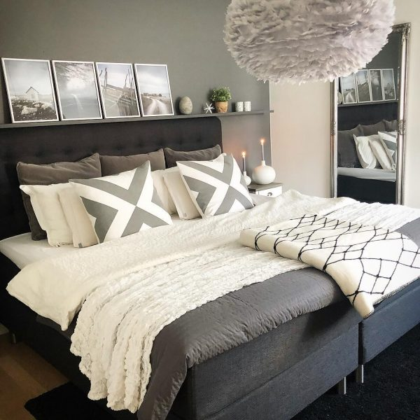 グレージュがおしゃれな寝室実例