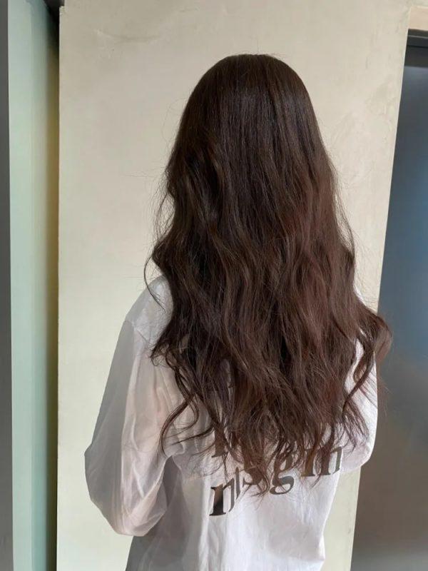 イエベ秋に似合う暗めの髪色 ロング2