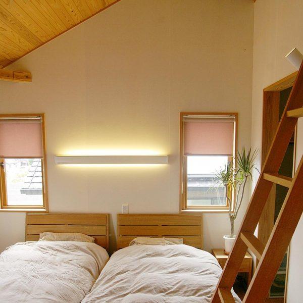勾配天井が開放的な8畳の子供部屋アイデア