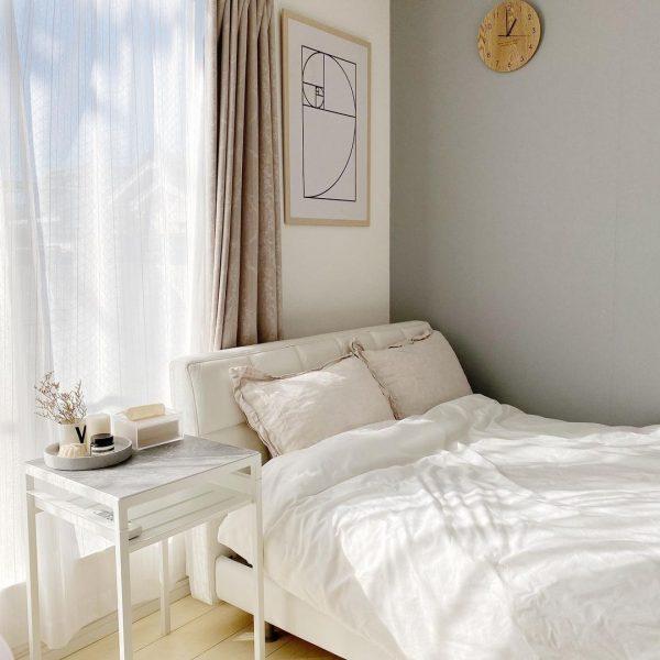 フェミニンな雰囲気が素敵な寝室