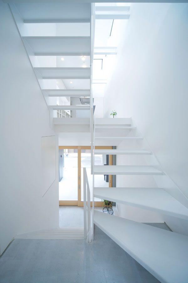デザイン性が高いおしゃれな階段2