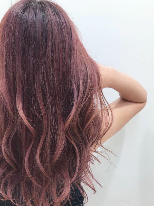 ブリーチなしの落ち着いたピンク