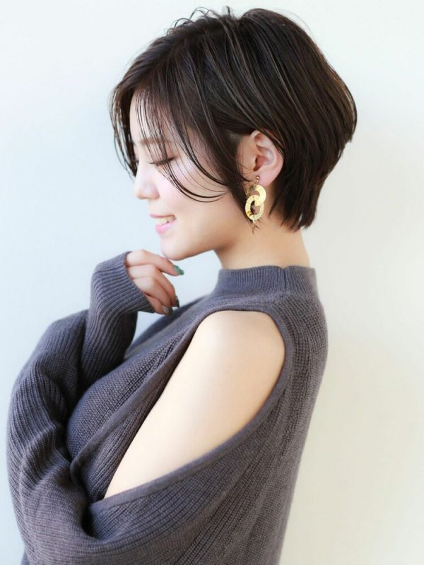美人系黒い髪色のショート
