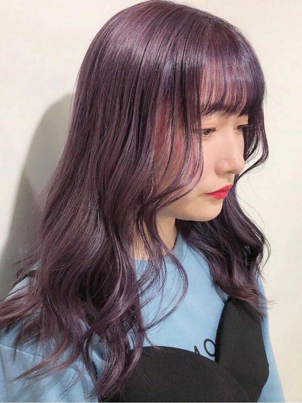 韓国ラベンダーカラーのぱっつん前髪アレンジ