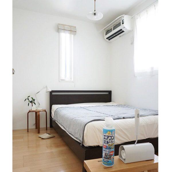 ダブルベッドの寝室レイアウト