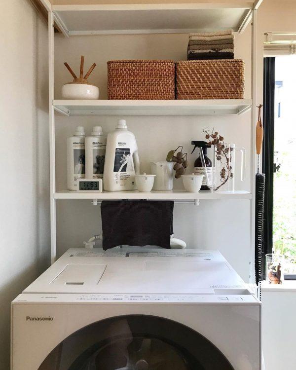 洗濯機上用シェルフで確保する収納アイデア