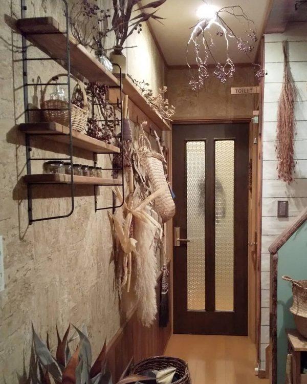 飾り付けがおしゃれなカフェ風レイアウト玄関