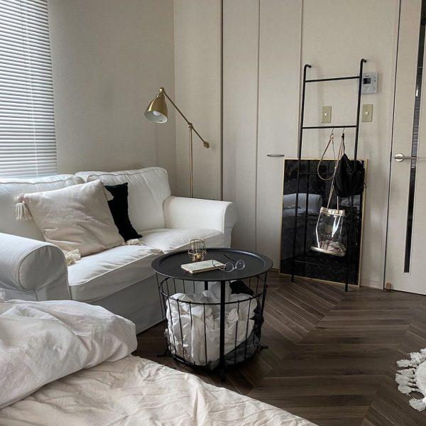 お部屋の印象に合わせて、アイアンのものや木製のものなど、デザインを選ぶことも楽しみましょう。